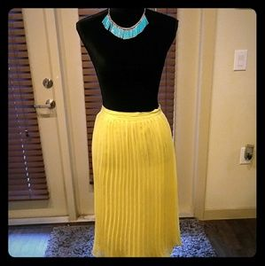 Forever 21 Pleated Yellow Skirt